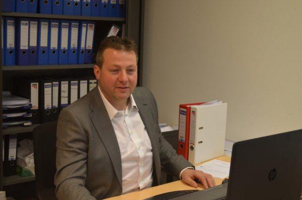 Henk-Jan van Hartskamp, adviseur, hj.vanhartskamp@ceb-overijssel.nl